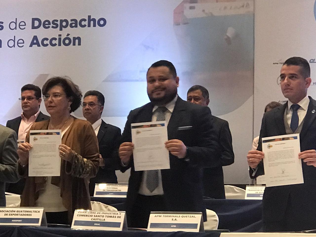 ZOLIC firma compromiso para mejorar clima de negocios en el país